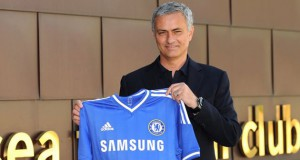 Jose Mourinho signing for Chelsea